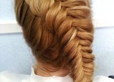 Обратная коса на средний волос