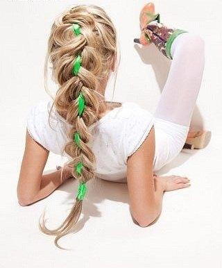 Ажурная коса с лентой