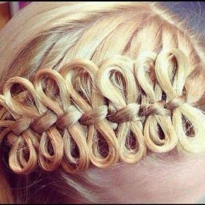 Французская коса с бантиками