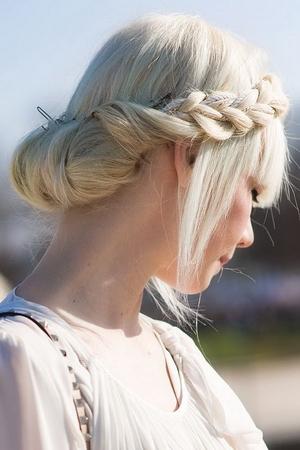 Греческая коса с челкой