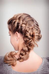Косички колосок на средние волосы