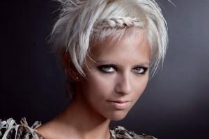 Плетение колосков на коротких волосах