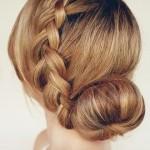 Французская коса с пучком