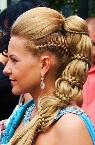 Коса вокруг хвоста