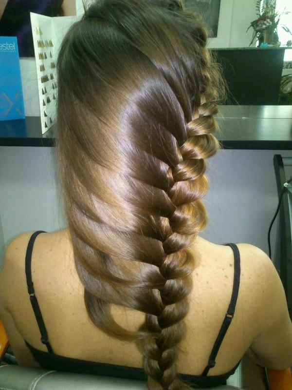 Плетение косы по краю волос
