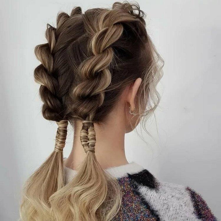 Ажурная коса на средние волосы