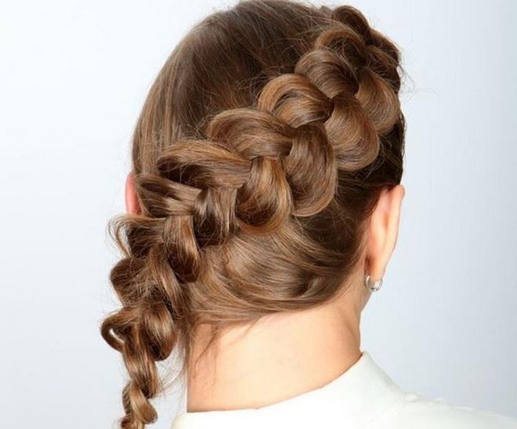 Французская коса на новый год на средние волосы