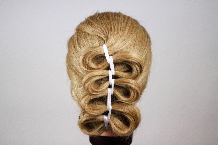 Голливудская волна: коса с лентой