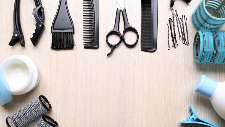 Инструменты, чтобы заплести двойную косу