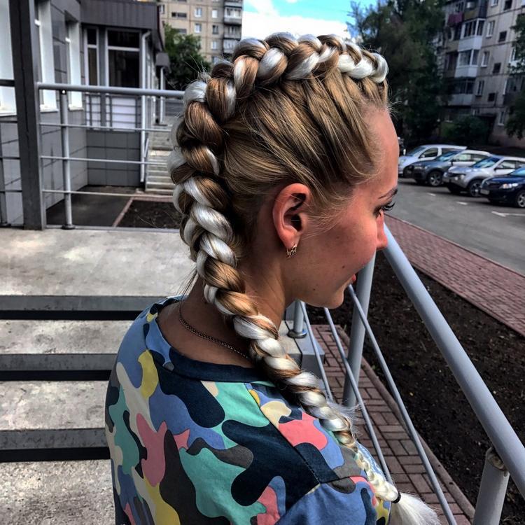 Как заплести цветные косы