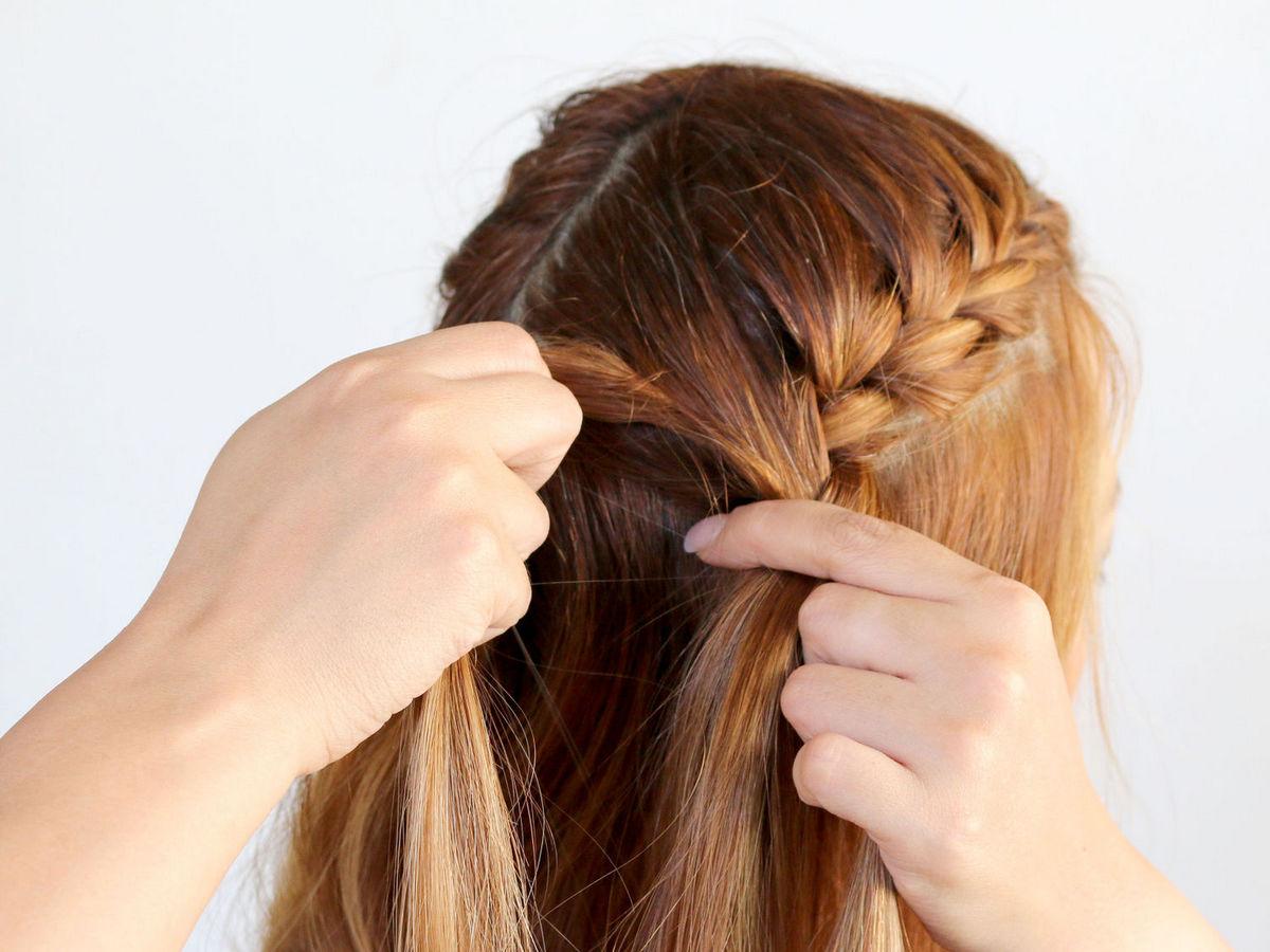 Как заплести себе обычную косу
