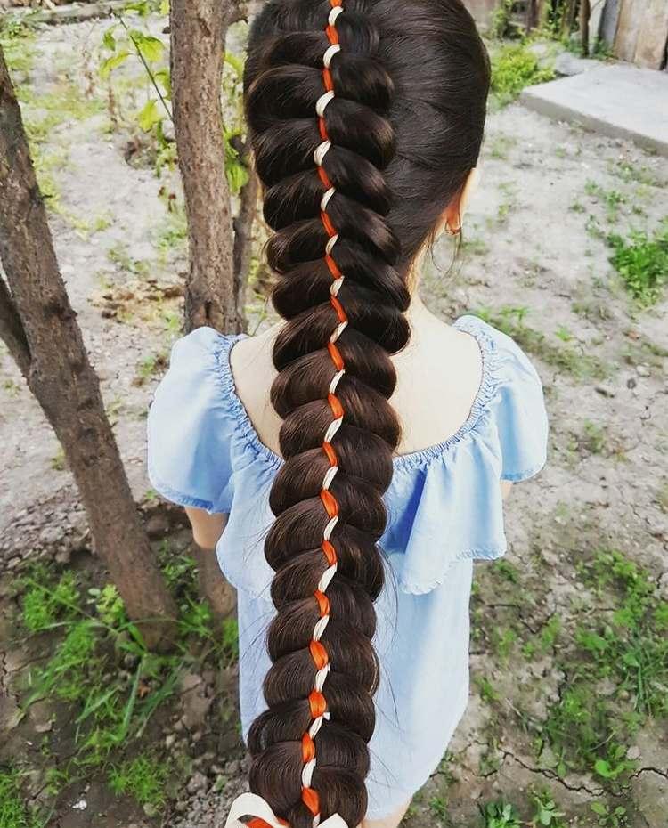 Коса из пяти прядей с лентой