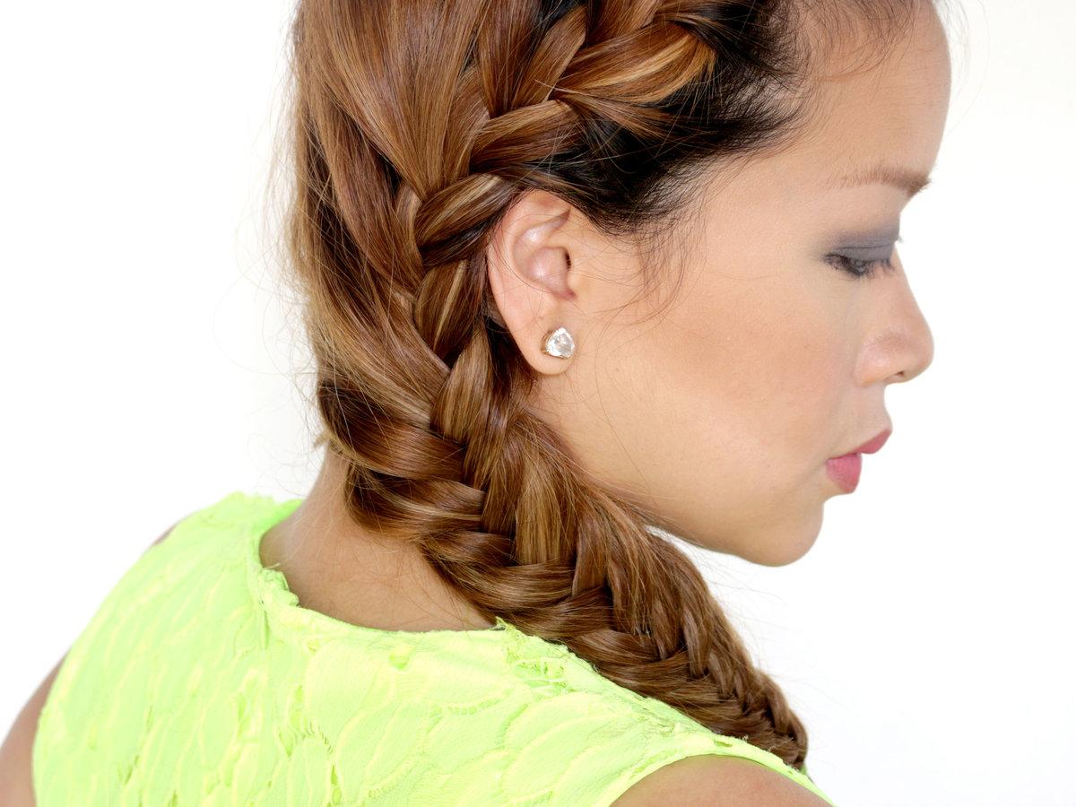 Коса по краю волос