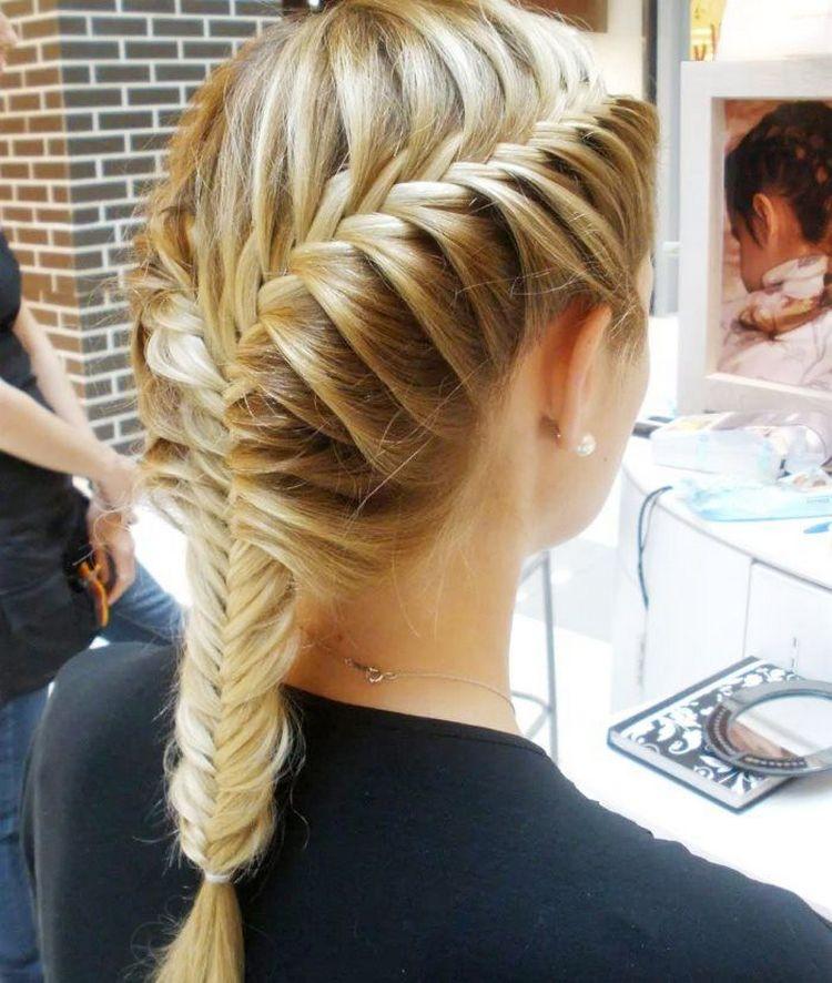 Коса рыбий хвост на средние волосы