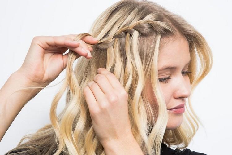 Коса водопад на новый год на средние волосы