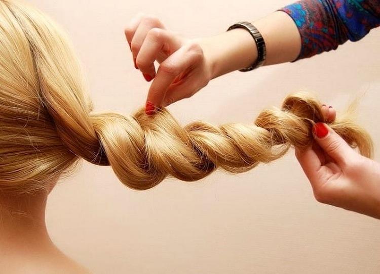 Коса жгут на новый год на средние волосы