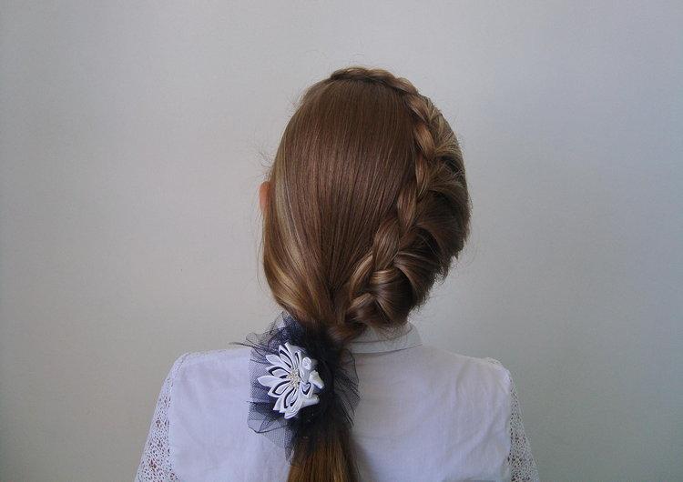 Плетение косичек девочкам в школу