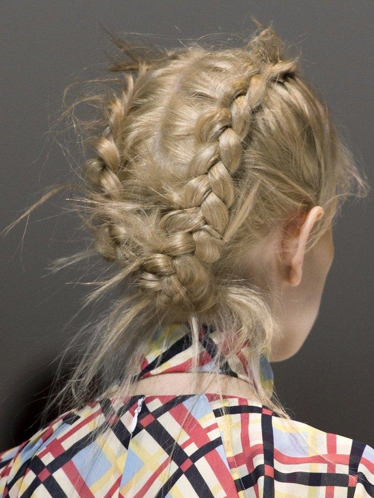 Не аккуратно заплетенная коса