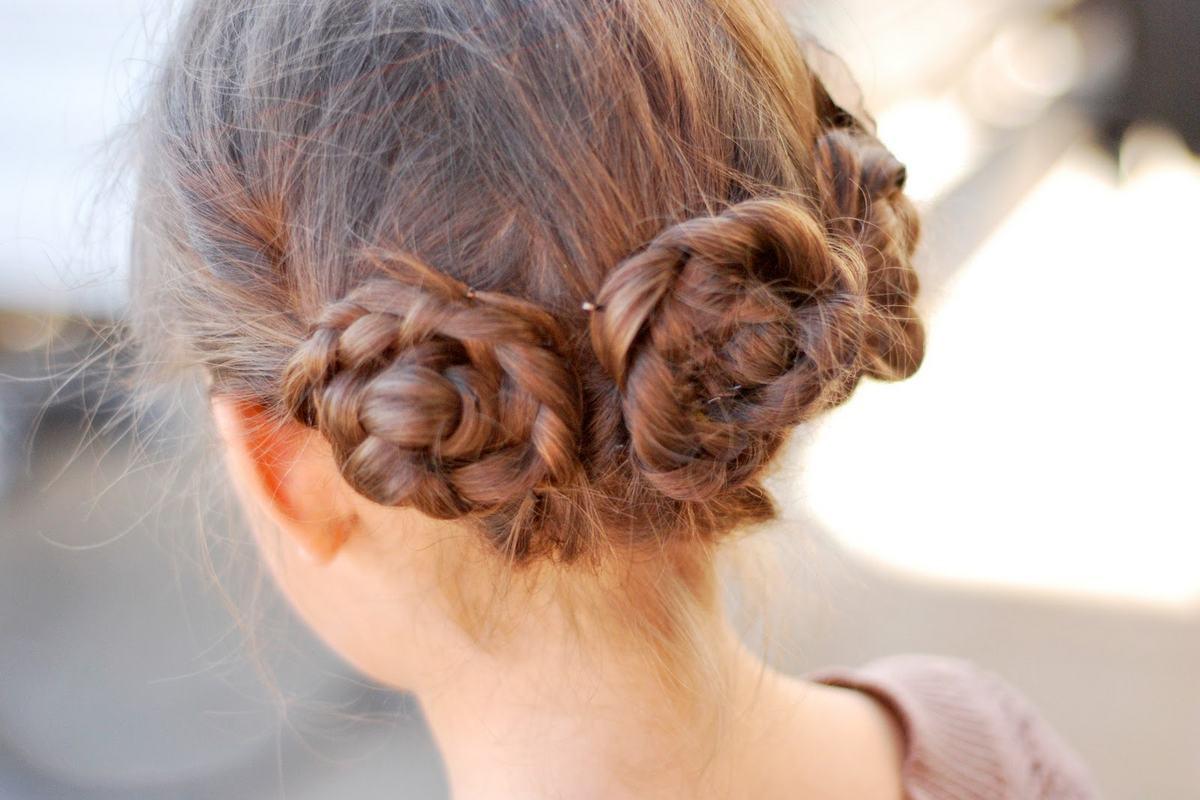 Оригинальные косички на средние волосы