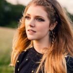 Плетем легкие прически с косами