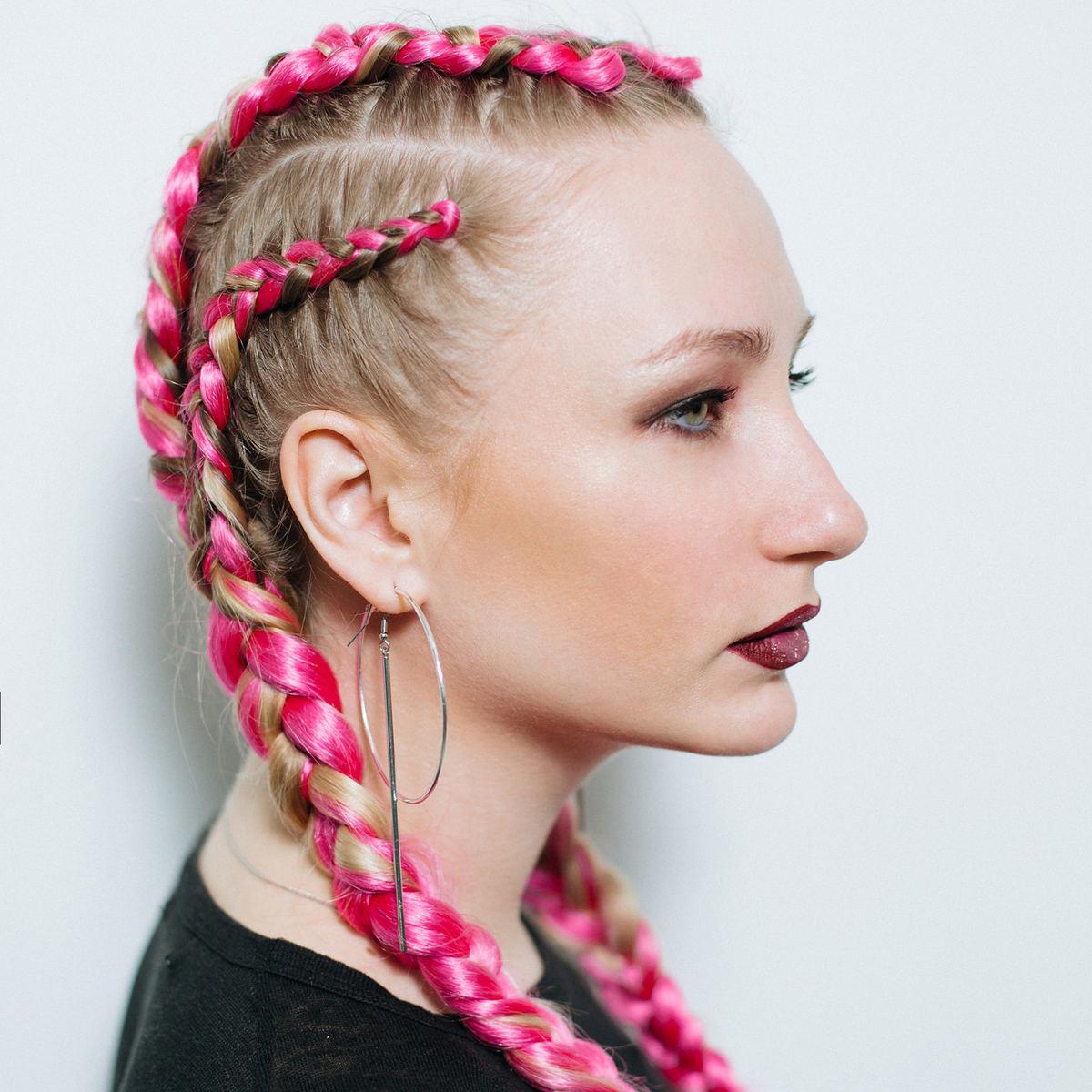 Плетение цветных кос с канекалоном