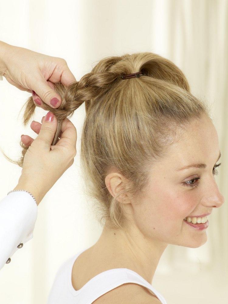 Плетение косы вокруг хвоста