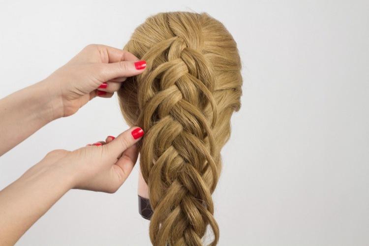 Праздничная двойная косичка на длинные волосы