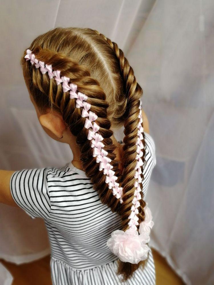 Праздничная коса восьмерка на длинные волосы