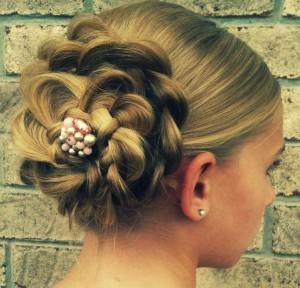 Прическа цветок из косичек