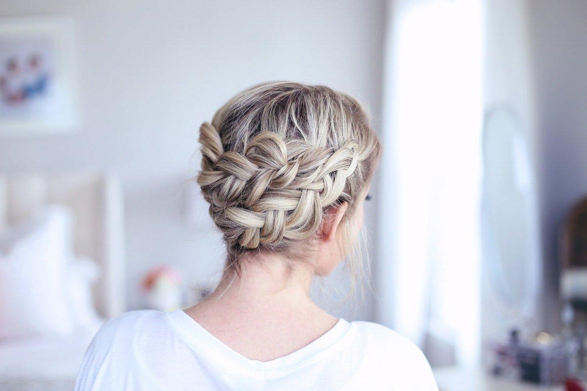 Прикольные косы на средние волосы