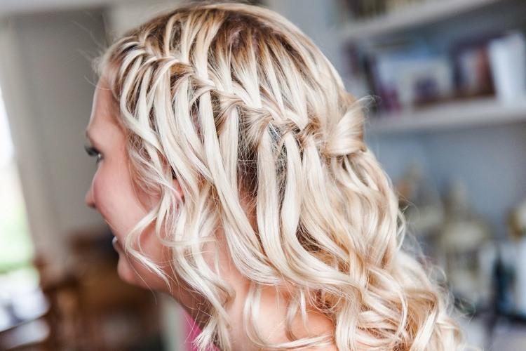 Свадебные косички на средние волосы