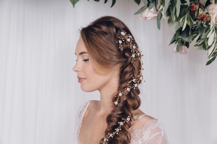 Свадебные прически из косичек: фото