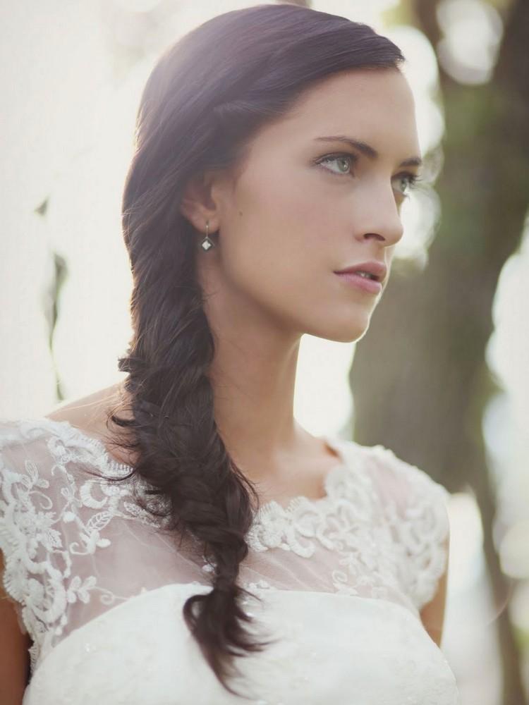 Свадебные прически коса на бок с фатой: фото