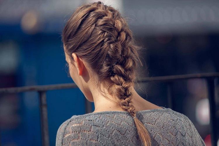 В косичке волосы растут быстрее